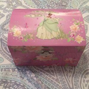 Girls princess wind up jewelry box